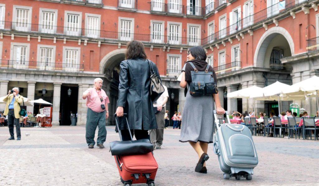 Los vecinos podrán vetar los pisos turísticos de Madrid