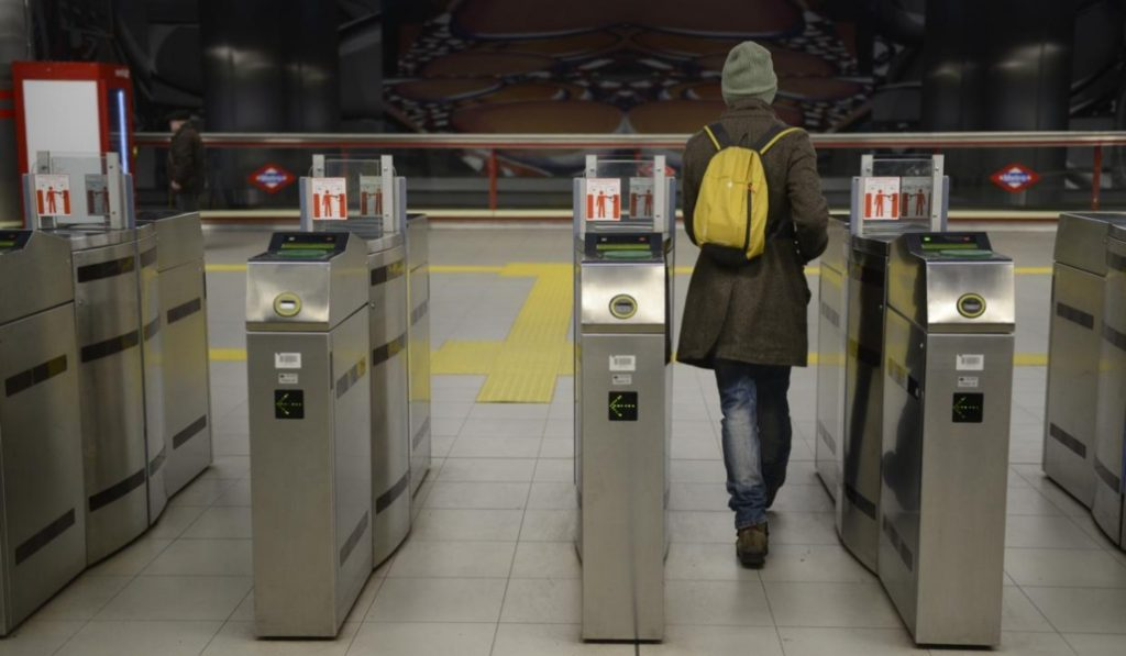 33 estaciones de metro tendrán los tornos siempre abiertos