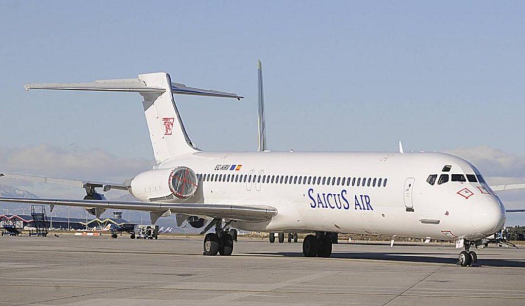 Hay un avión abandonado en el aeropuerto de Barajas y nadie lo reclama