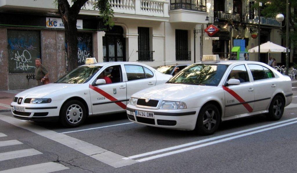 Huelga indefinida de taxis desde el 21 de enero en protesta contra los VTC