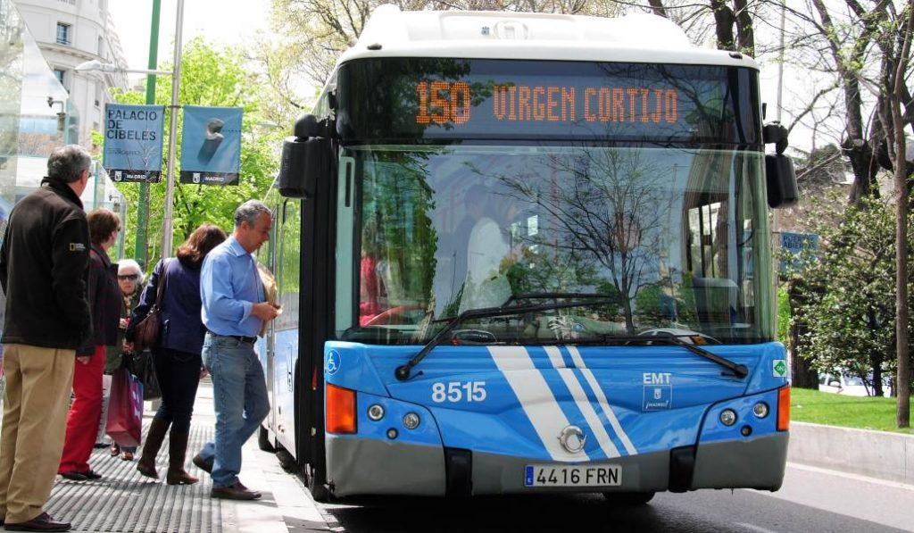 Los buses de Madrid sacan un notable en la evaluación de los usuarios