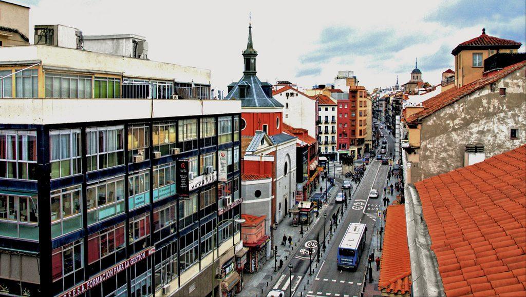 La calle Atocha ya luce libre de obras