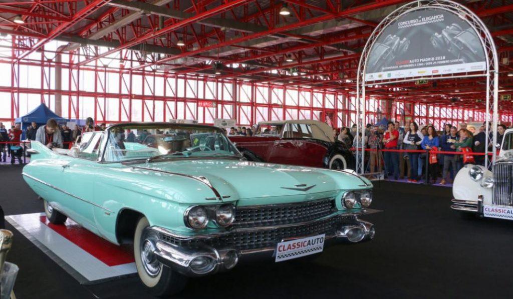 Los coches clásicos presumen de carrocería en la Casa de Campo