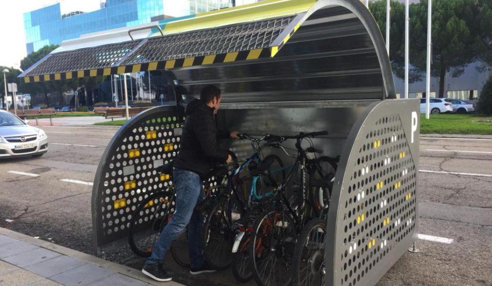 El primer hangar de bicis del centro: parking cerrado y con pago vía app