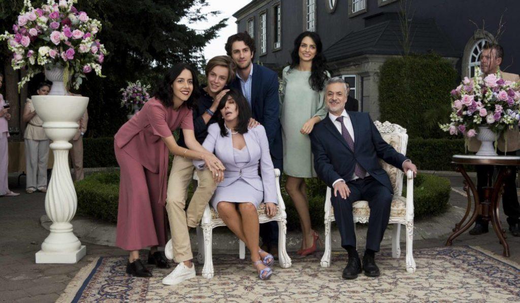 La segunda temporada de «La casa de las flores» se rueda en Madrid