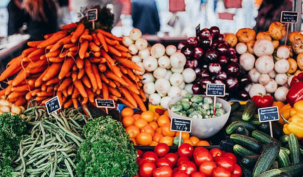 Mercado campesino en Madrid: de la huerta local al Paseo del Prado