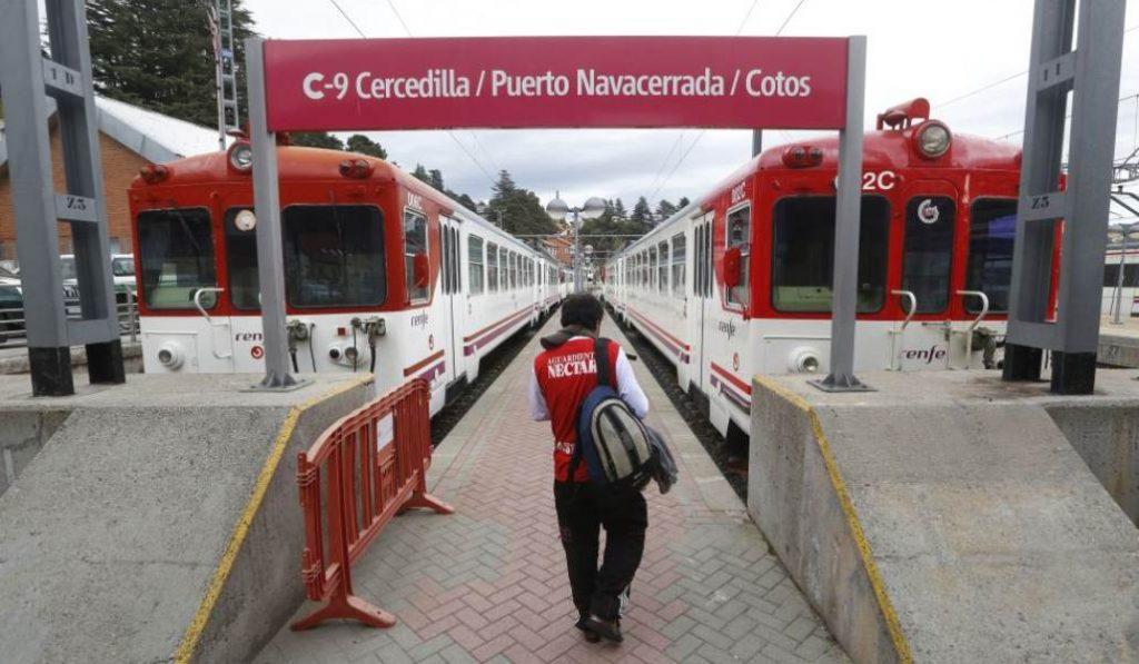 El tren con destino a la sierra de Guadarrama, a punto de desaparecer