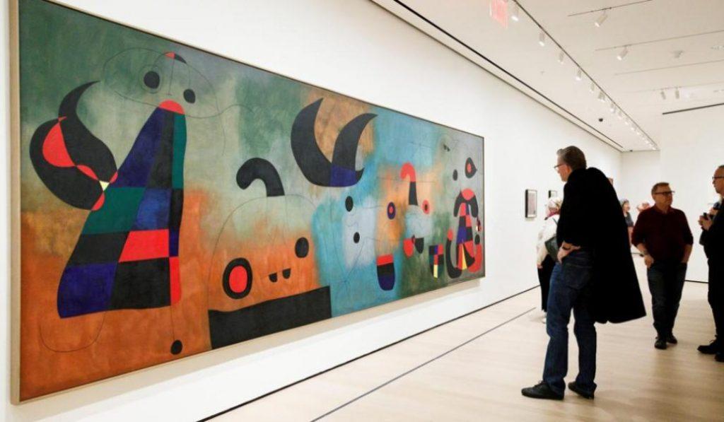 El Reina Sofía estrena una obra restaurada de Miró que esconde un secreto