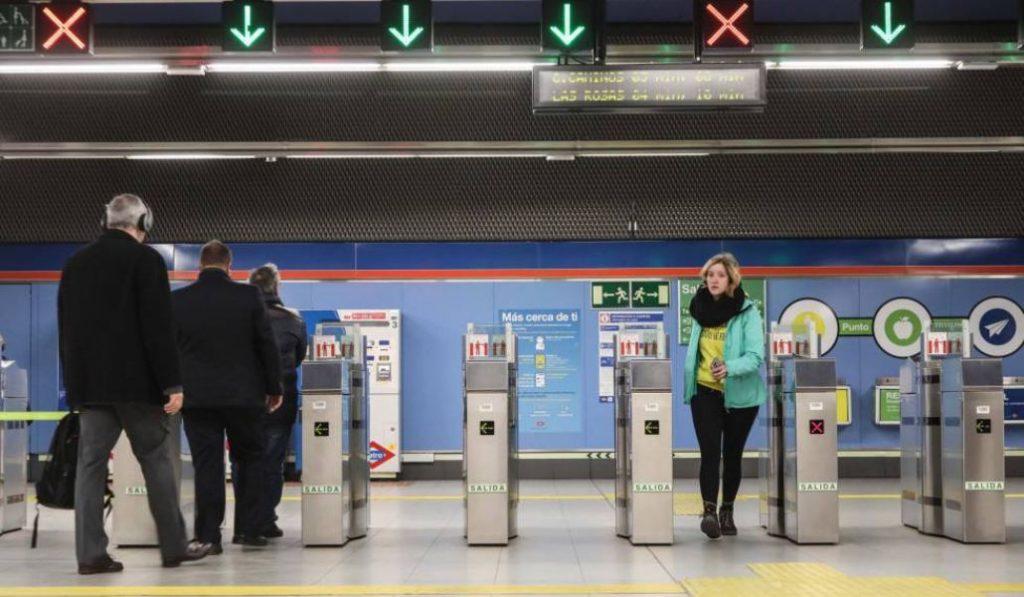Se acabaron los tornos siempre abiertos en el Metro de Madrid