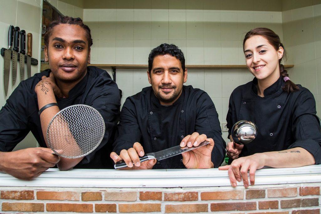 Vuelve Refugee Food Festival, el evento gastronómico donde cocinan los refugiados