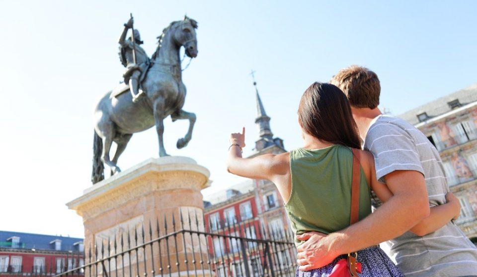 Hasta nunca, palo 'selfie': de paseo por Madrid con un fotógrafo local