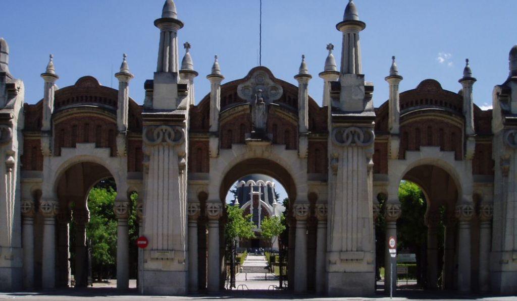 El Cementerio de la Almudena ofrece visitas nocturnas y teatralizadas