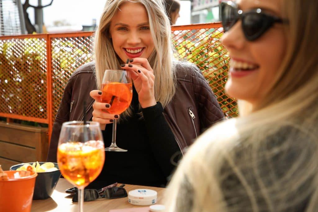 Aperol Spritz regresa a Madrid con los afterworks y aperitivos más refrescantes