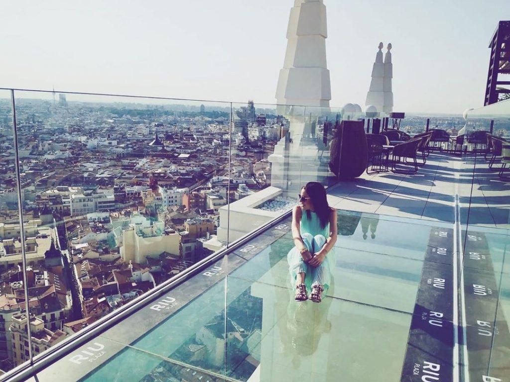 Madrid estrena un pasillo de cristal a 28 pisos de altura