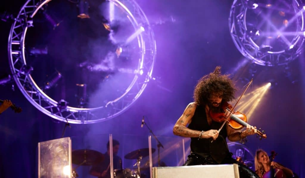 Ara Malikian, el violinista inclasificable, presenta su disco en el Wizink Center este domingo