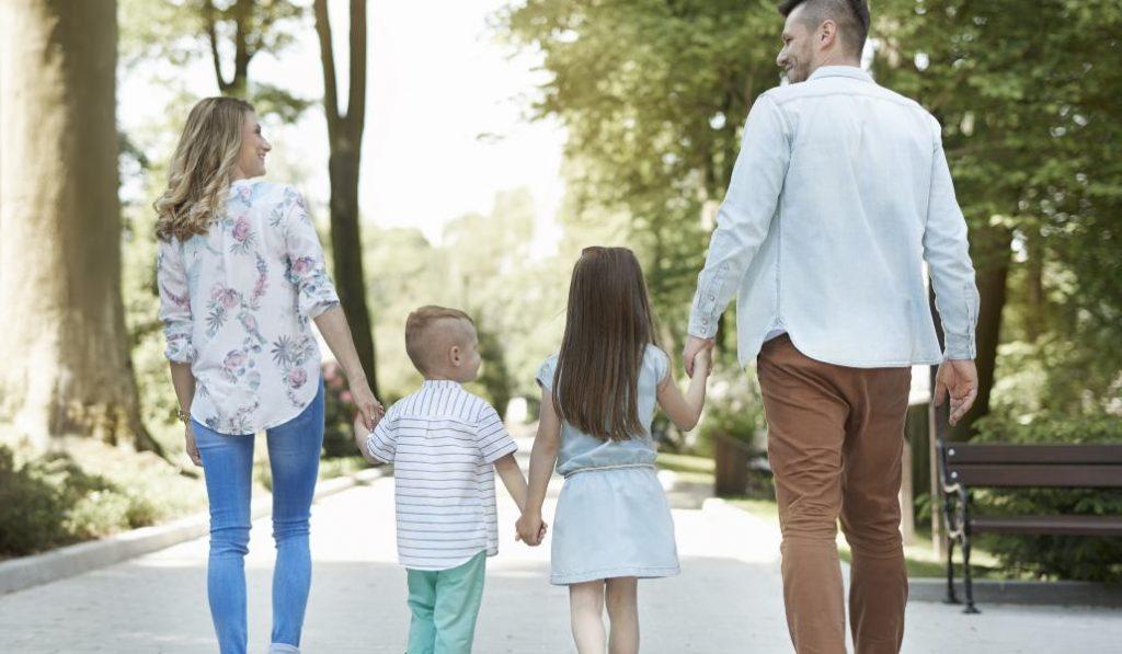 Las familias con dos hijos tendrán el título de familia numerosa en Madrid
