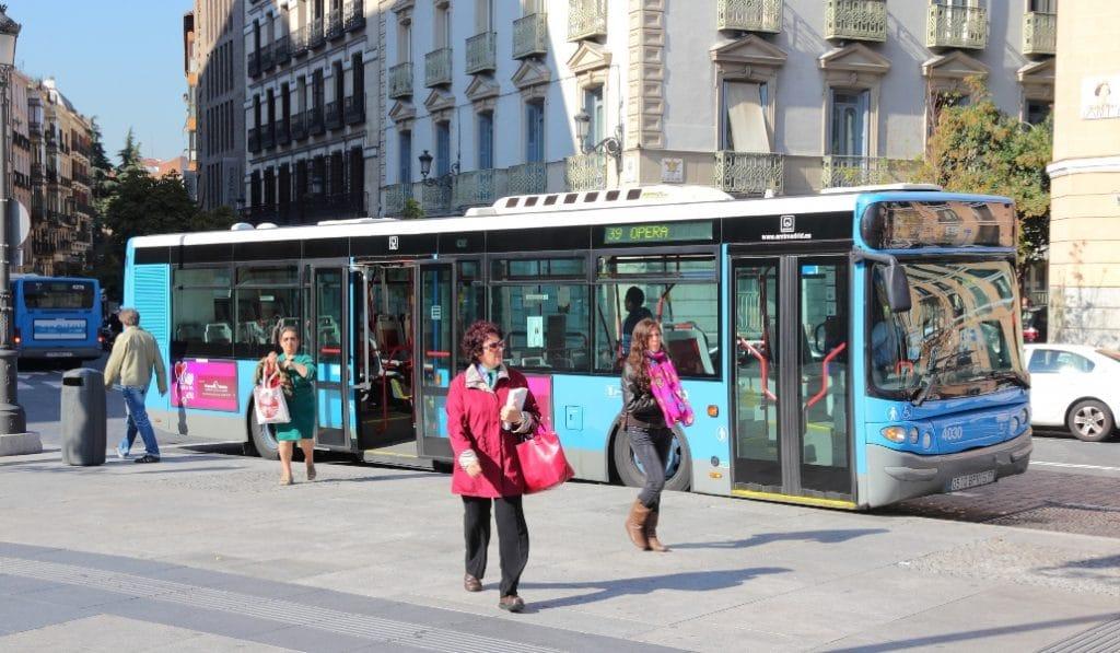 Los autobuses madrileños ponen en marcha un proyecto de pago con reconocimiento facial