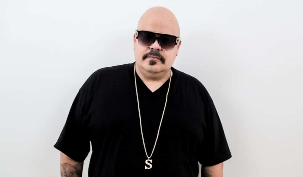DJ Sneak en Florida Retiro: 'tech house', un bartender robot y pole dance