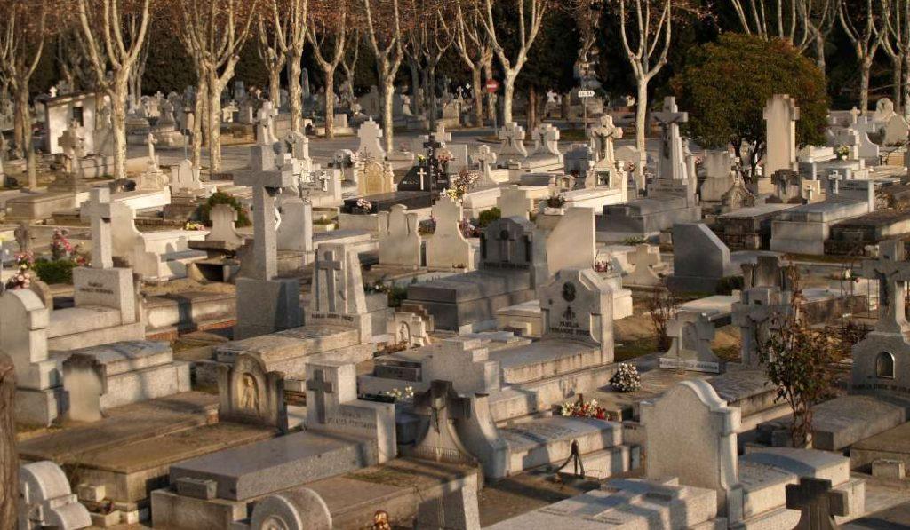 Vuelven las visitas guiadas gratis por el Cementerio de la Almudena