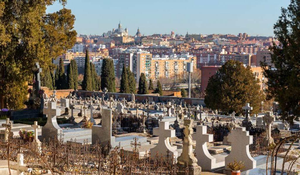 Visitas especiales al Cementerio de San Isidro por Todos los Santos