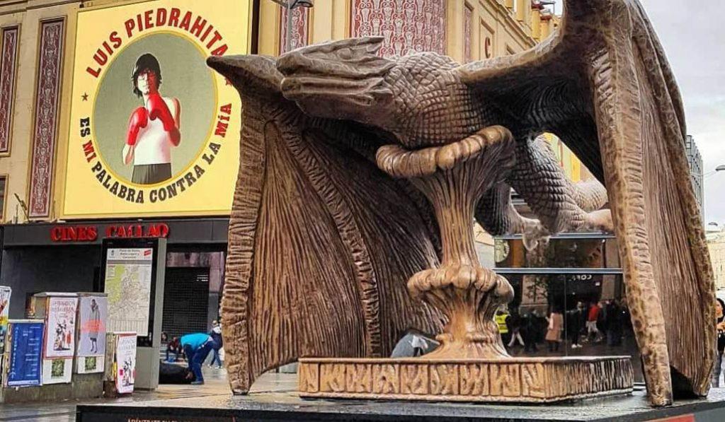 Cuatro estatuas de 'Juego de Tronos' han aparecido en Madrid por sorpresa