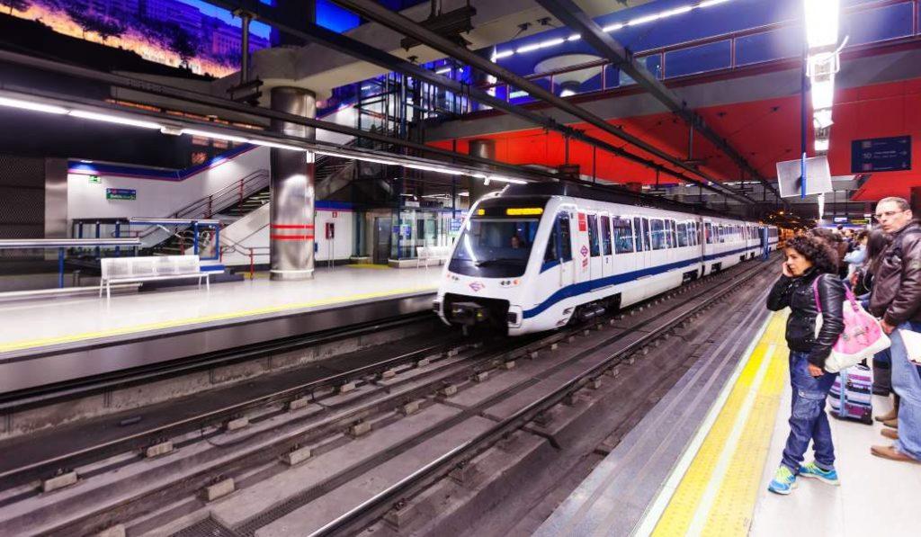 Metro de Madrid se enfrenta a una huelga el día que cumple 100 años