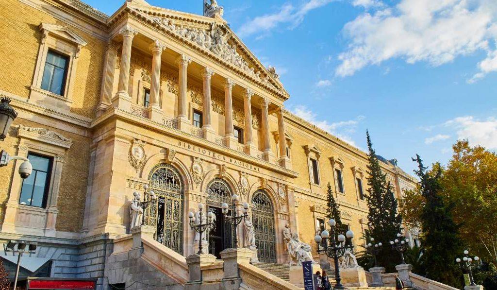 La Biblioteca Nacional abre su Sala de Lectura al público durante una mañana