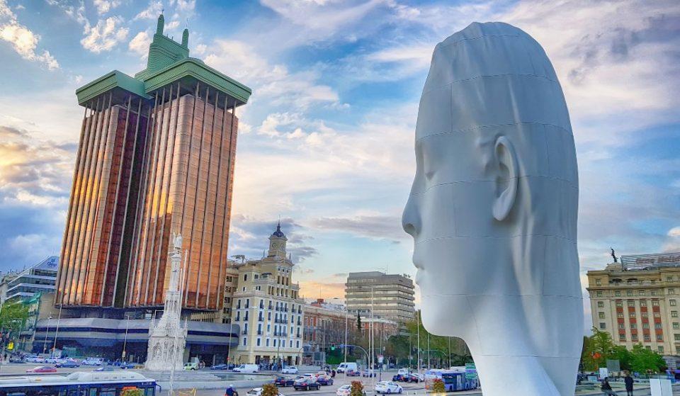 'Julia', la niña gigante de Colón, se queda en la plaza hasta 2021