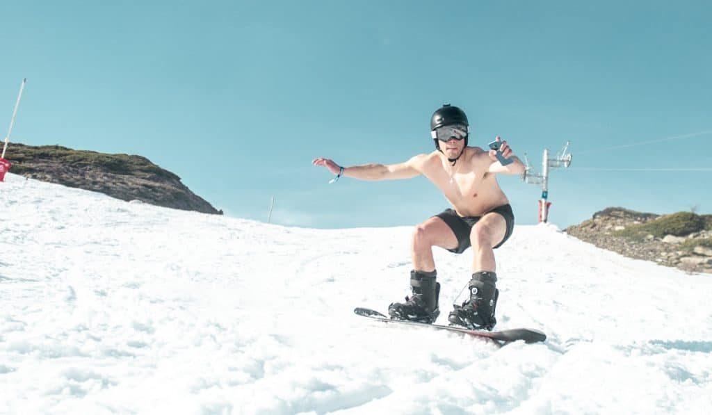 ¿Te imaginas vivir un festival en una montaña rodeado de nieve? Se llama Snowdaze 2020
