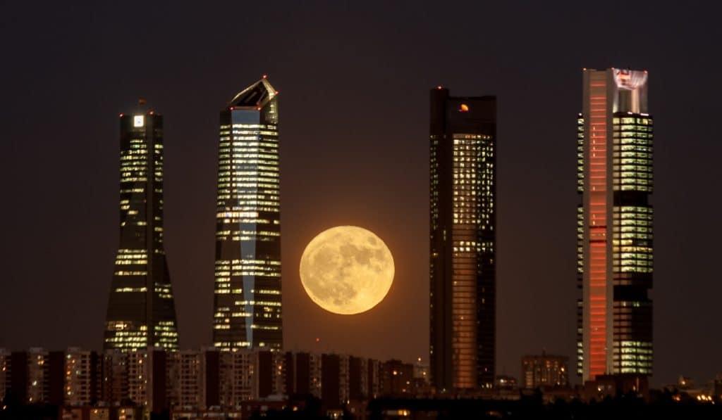 Esta novela retrata el Madrid más nocturno
