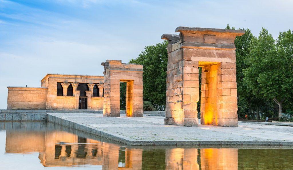 Un egiptólogo denuncia el deterioro del Templo de Debod en Madrid