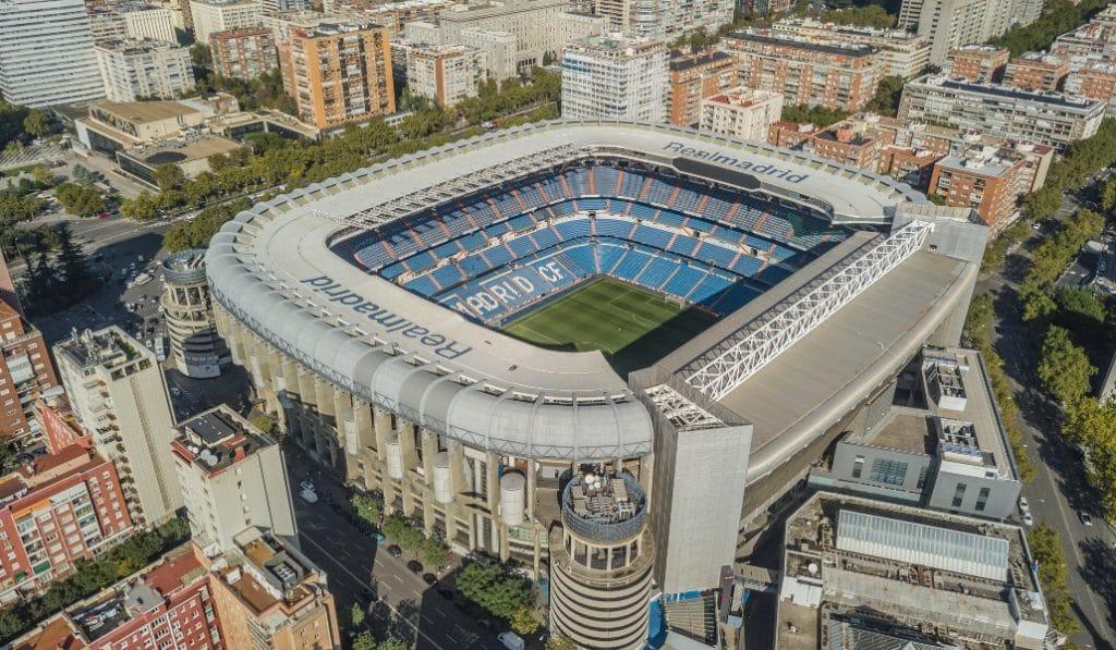 El Santiago Bernabéu se convierte en un enorme centro logístico de material sanitario
