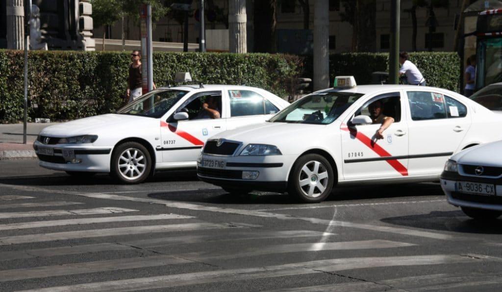 El taxi de Madrid rechaza una ayuda de 132 mil euros y pide que se destine a Sanidad