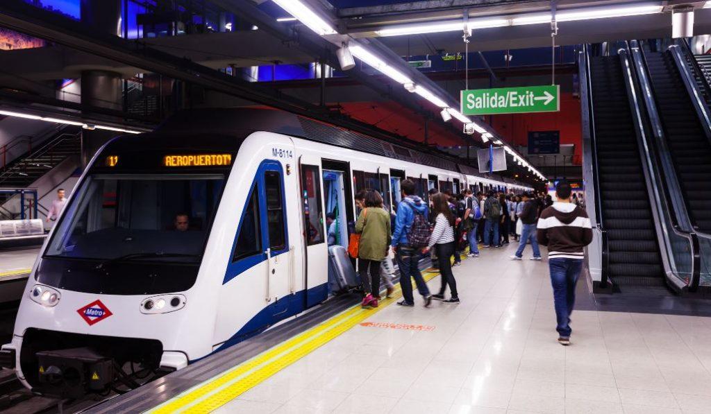 Madrid estrena los nuevos planos de la red de metro