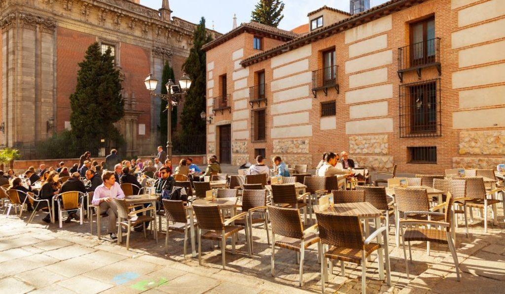 «Madrid y los bares»: la carta de una camarera confinada en la capital