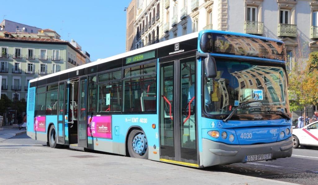 Madrid amplía su carril bus en un 30%