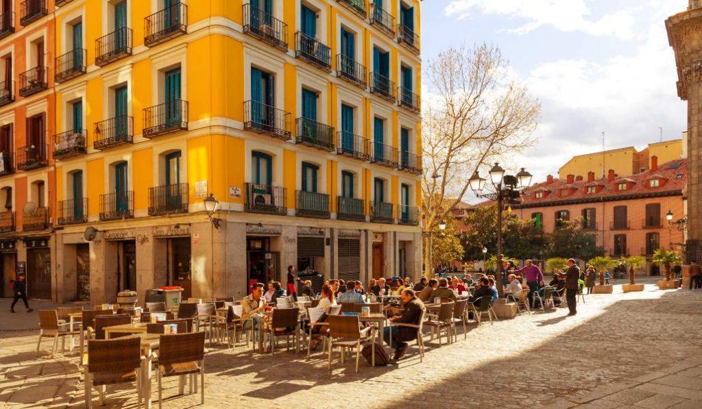 Las terrazas de Madrid en la desescalada: en la calzada, con música y en horarios más amplios
