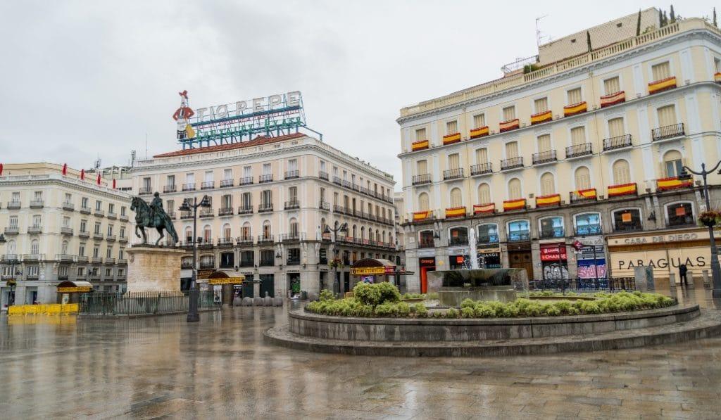 Las plazas de Madrid durante esta cuarentena vistas por un fotógrafo