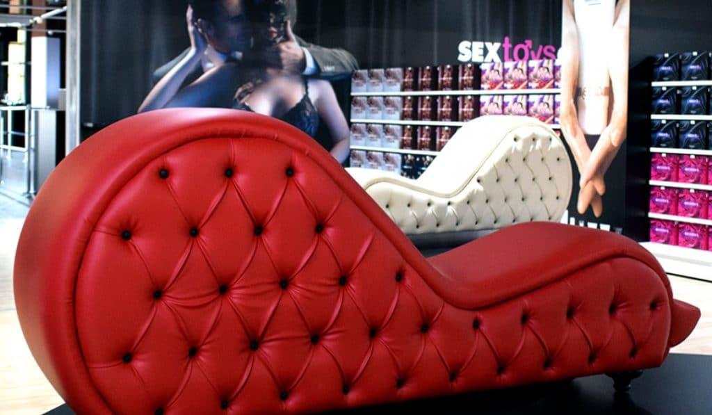 Abre en Madrid el supermercado de muebles eróticos más grande de Europa