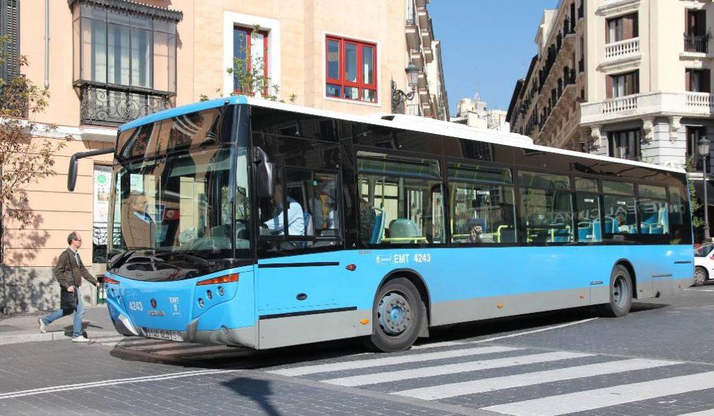 Los autobuses de Madrid vuelven a aceptar el pago en efectivo