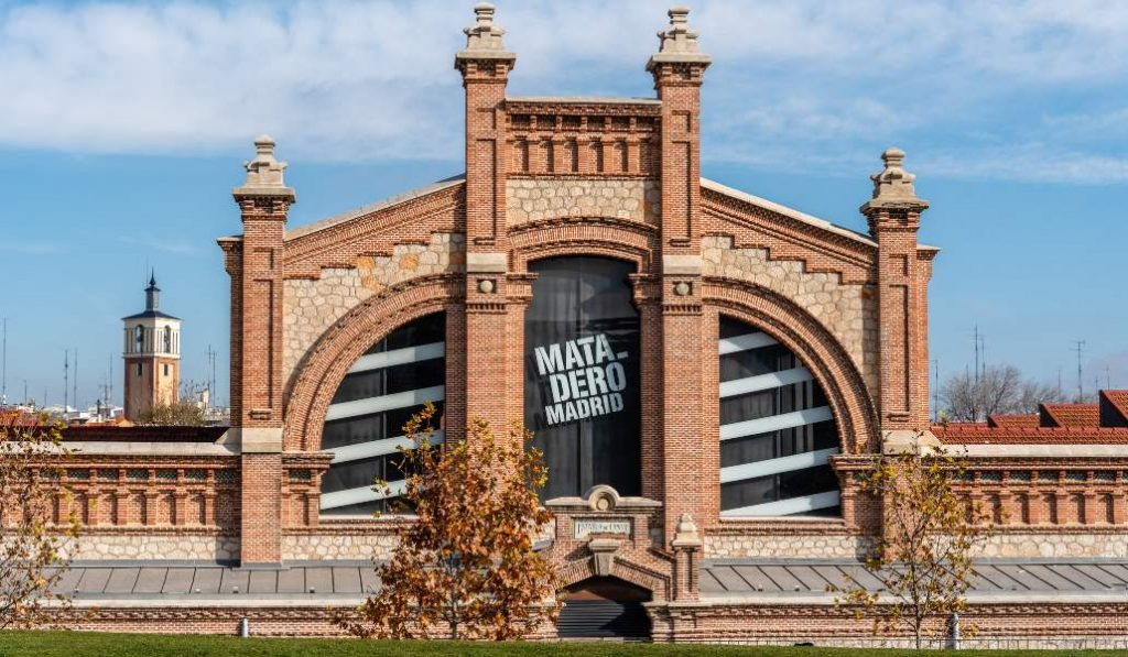 Matadero Madrid reabre sus puertas y programa su cine al aire libre