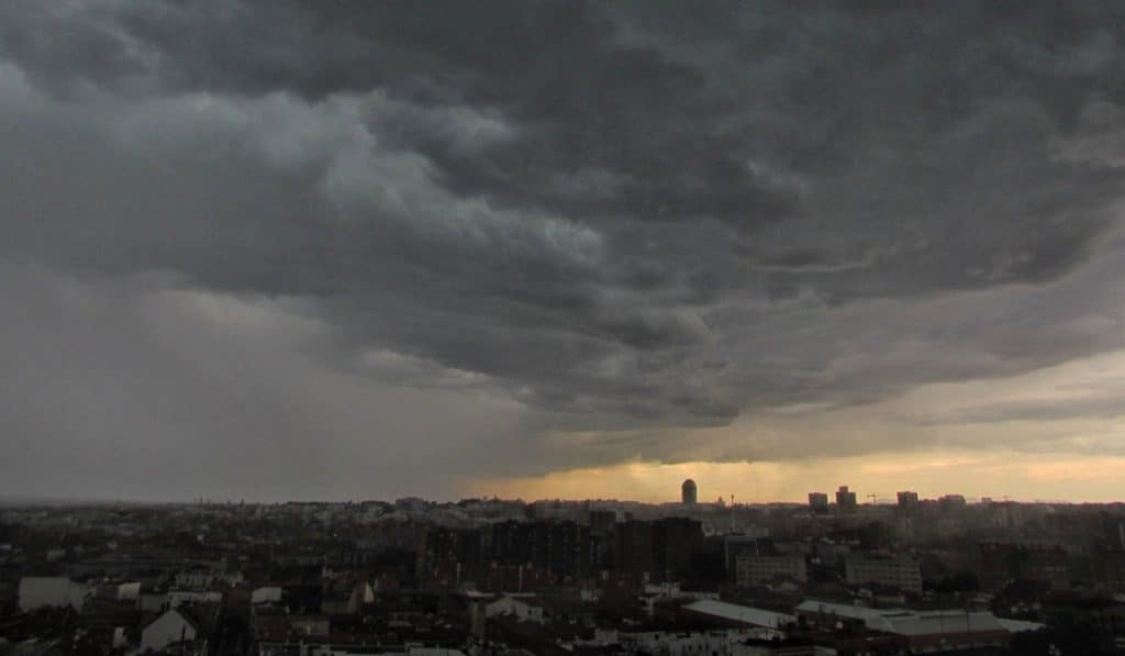 Vídeo: la colosal tormenta que se desató en Madrid el domingo