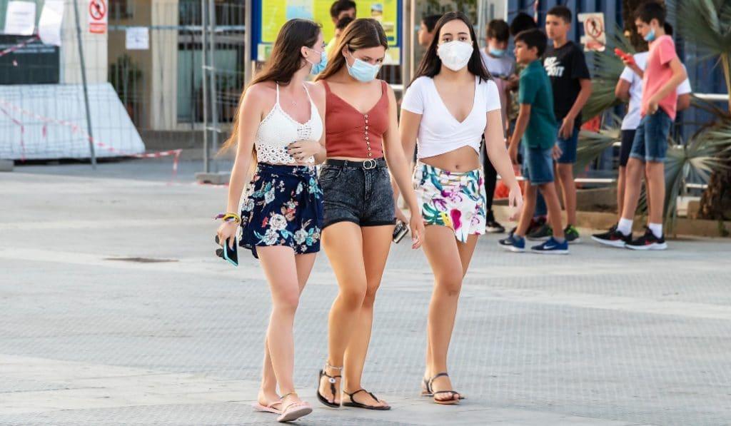 Multas de 100 euros por no llevar mascarilla en Madrid