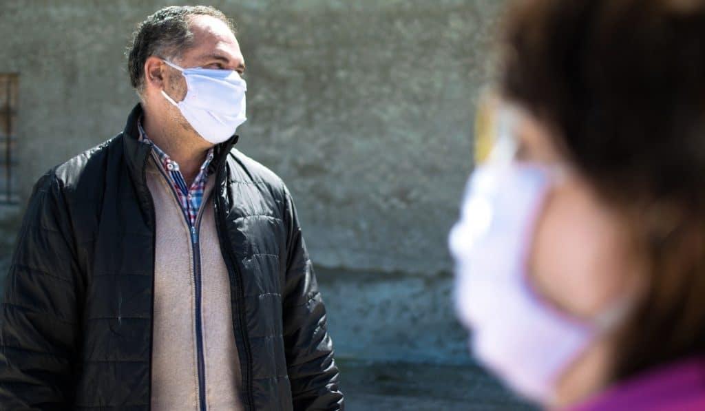 Madrid hace obligatorio el uso de mascarilla y crea la 'cartilla Covid'