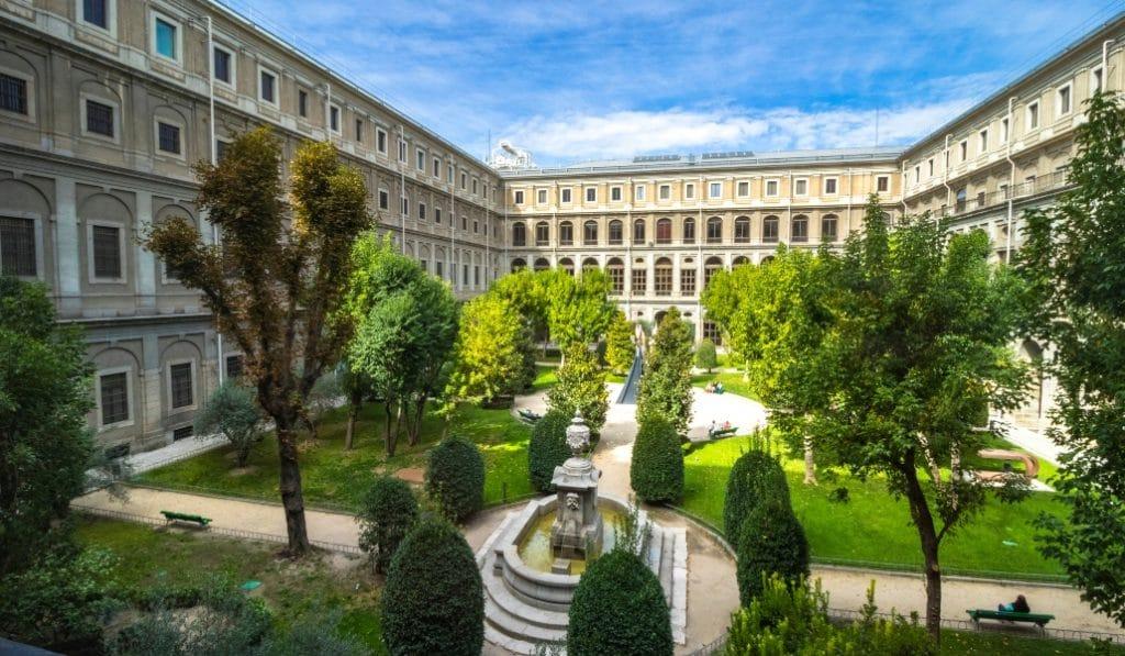 El jardín del Museo Reina Sofía volverá a ser el escenario de un cine de verano gratuito