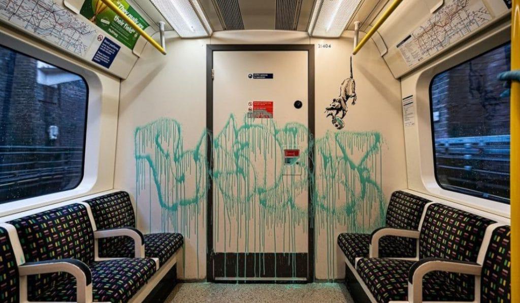 Banksy llena de ratas el metro de Londres y reivindica el uso de mascarillas