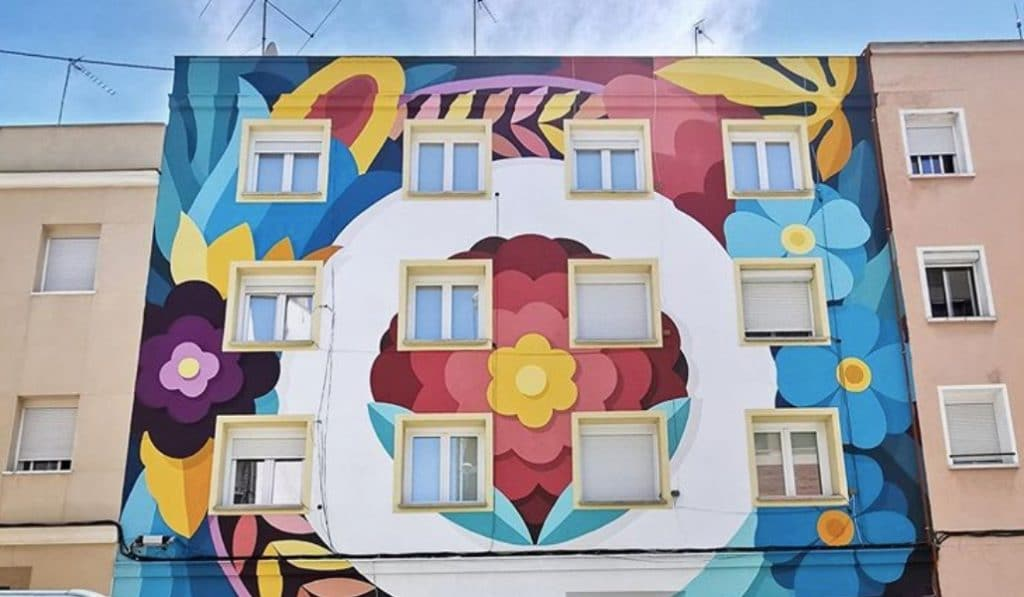Boa Mistura pinta un precioso mural en el barrio de Tetuán