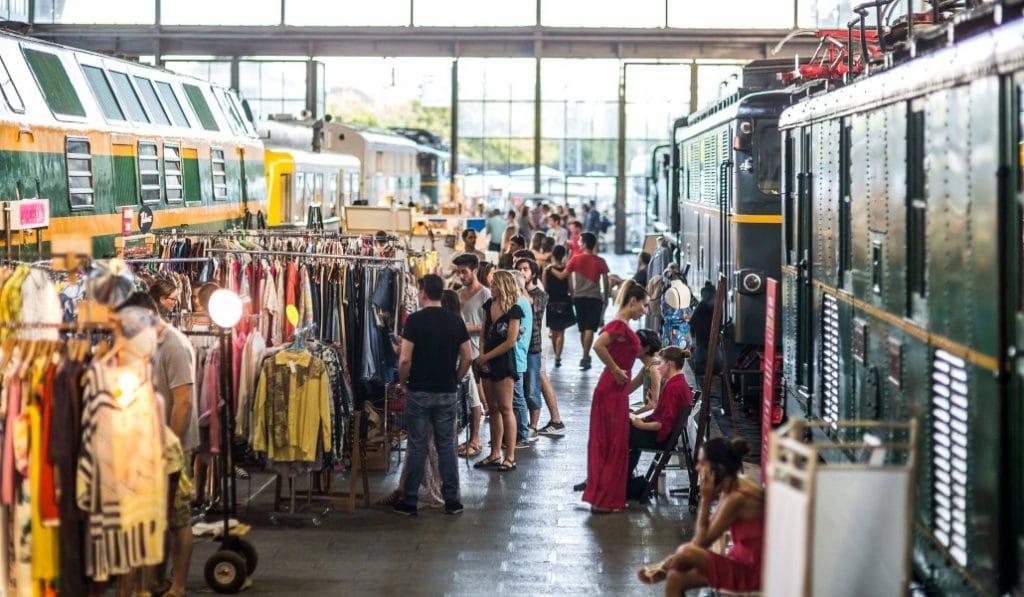 El Mercado de Motores está de vuelta: diseño y gastronomía entre raíles y trenes antiguos