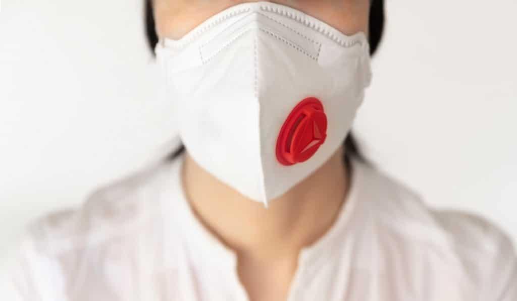 Madrid prohíbe las mascarillas con válvula exhalatoria