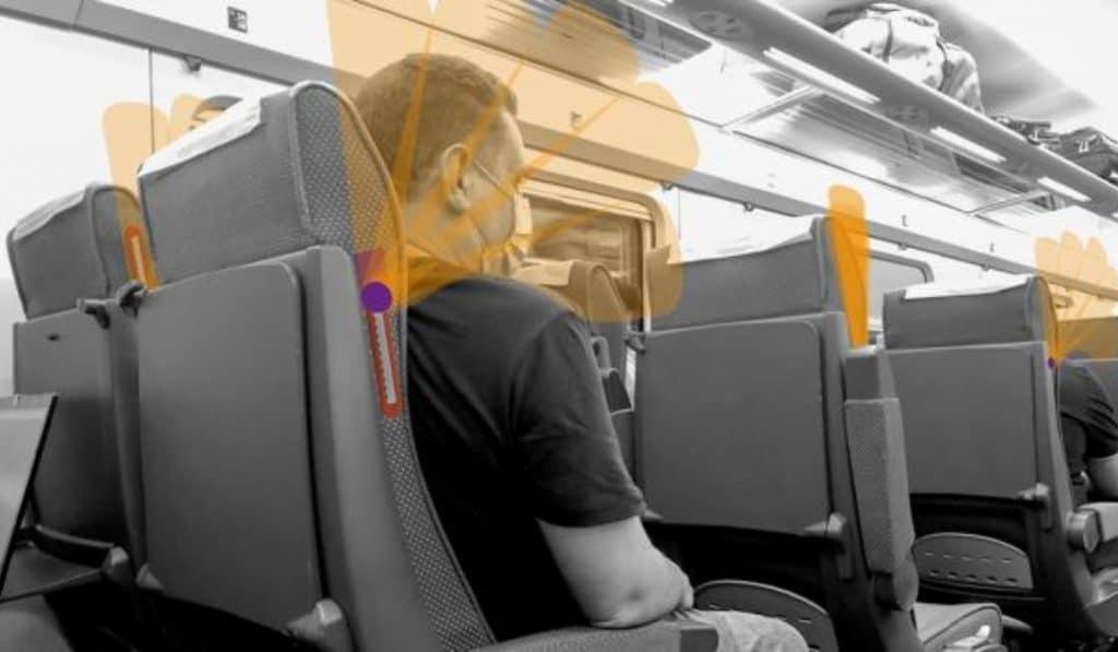 Un madrileño inventa unos abanicos para separar los asientos de trenes, cines o teatros